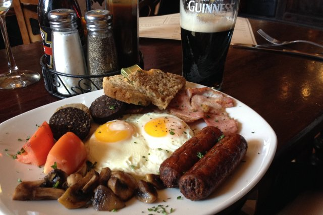 Irish breakfast at Fado